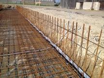 07_Bewehrter Güllekanal fertig zum Betonieren der Bodenplatte